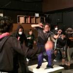 スズキ拓郎氏の振付で迫力のダンス、笹野くん