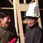 """大ルル族の酋長""""夜風""""役真那胡さん(右)と料理長シー役見上さん(左)"""
